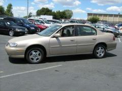 2003 Chevrolet Malibu Photo 3