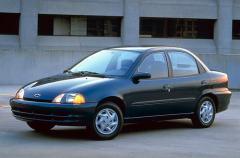 1998 Chevrolet Metro Photo 1