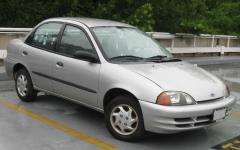 2000 Chevrolet Metro Photo 1
