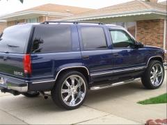 1998 Chevrolet Tahoe Photo 3