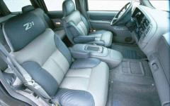 1999 Chevrolet Tahoe interior