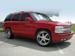 2000 Chevrolet Tahoe Photo 4