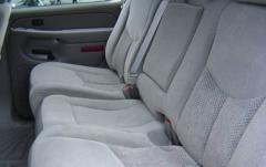 2005 Chevrolet Tahoe interior