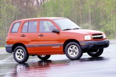 2000 Chevrolet Tracker Photo 1