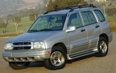 2003 Chevrolet Tracker exterior