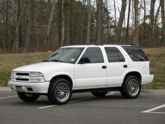 2003 Chevrolet TrailBlazer Photo 3