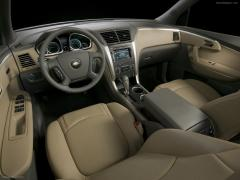 2012 Chevrolet Traverse Photo 2