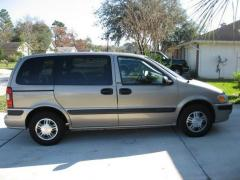 2003 Chevrolet Venture Photo 2