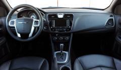 2011 Chrysler 200 Photo 4