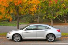 2011 Chrysler 200 Photo 5