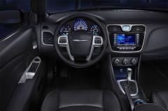 2011 Chrysler 200 Photo 6