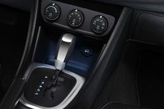2012 Chrysler 200 LX interior