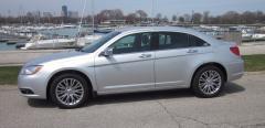 2013 Chrysler 200 Photo 6