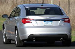 2013 Chrysler 200 exterior