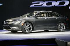 2015 Chrysler 200 C AWD Photo 4
