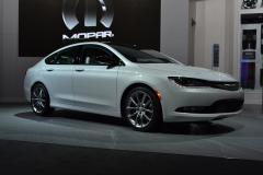 2016 Chrysler 200 Photo 4