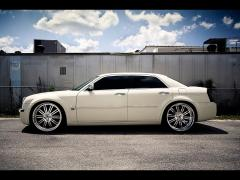 2006 Chrysler 300 Photo 2
