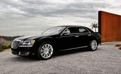 2013 Chrysler 300 Photo 22