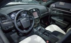 2013 Chrysler 300 Photo 25