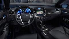 2014 Chrysler 300 Photo 2