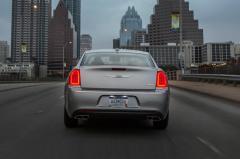 2018 Chrysler 300 exterior