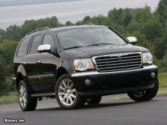 2009 Chrysler Aspen Photo 1