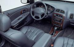 2002 Chrysler Concorde interior