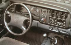 1999 Dodge Dakota interior
