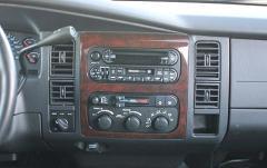 2001 Dodge Durango interior