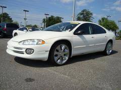 2003 Dodge Intrepid Photo 1