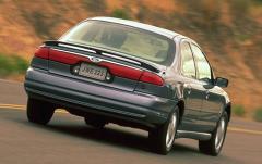 2000 Ford Contour exterior