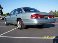 1995 Ford Crown Victoria Photo 2