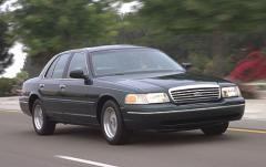 2001 Ford Crown Victoria exterior