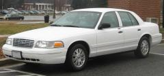2003 Ford Crown Victoria Photo 1