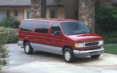 2000 Ford Econoline Wagon Photo 1