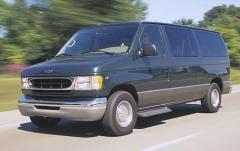 2002 Ford Econoline Wagon exterior