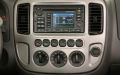 2007 Ford Escape Hybrid FWD interior