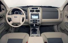 2008 Ford Escape interior