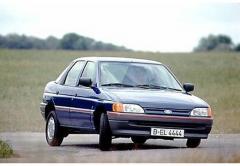 1991 Ford Escort Photo 1
