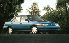 1993 Ford Escort exterior