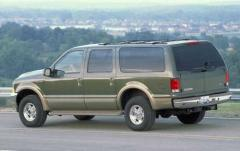 2004 Ford Excursion exterior