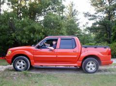 2004 Ford Explorer Sport Trac Photo 1