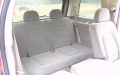 2004 Ford Explorer interior