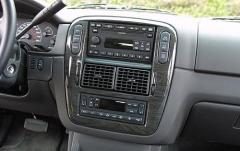 2005 Ford Explorer interior