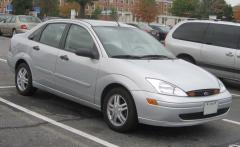 2000 Ford Focus Photo 2