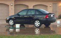 2001 Ford Focus exterior