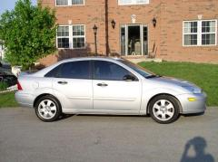 2002 Ford Focus Photo 3