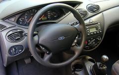 2002 Ford Focus interior