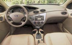 2003 Ford Focus interior