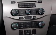 2008 Ford Focus interior